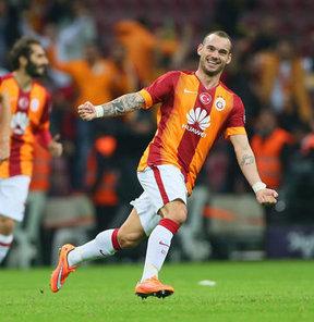 Sneijder çizme yolcusu