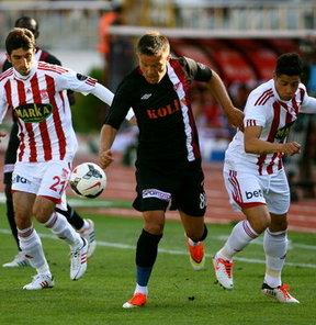 Süper Lig'deki gol düellosunda Sivasspor, Elazığspor'u deplasmanda devirdi