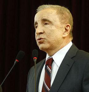 Galatasaray Başkanı Ünal Aysal açıklamalarda bulundu
