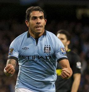 Liverpool'da forma giyen Luis Suarez ile Manchester City'de oynayan Carlos Tevez'in takas edilebileceği iddia edildi