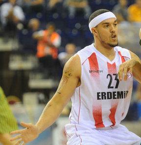 Beko Basketbol Ligi ekiplerinden Aliağa Petkim, en son Erdemir'de forma giyen Sean Marshall'la anlaştı