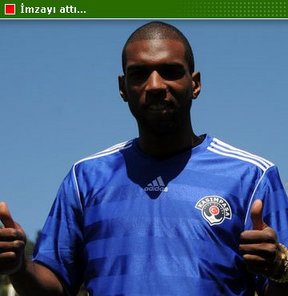 Spor Toto Süper Lig ekiplerinden Kasımpaşa, Ryan Babel ile üç yıllık sözleşme imzaladı.
