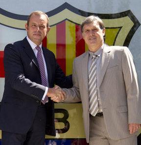 La Liga kulübü Barcelona, gelecek 2 sezonluğuna anlaştığı ''Tata'' lakaplı Arjantinli Gerardo Martino'yu basına tanıttı