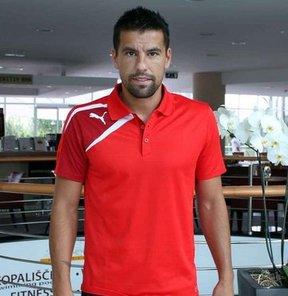 Baros, bu sezon kaç gol atacağı için kendisine bir hedef koymadığını ancak oynadığı her maçta gol atmak istediğini söyledi.
