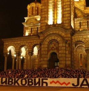 Belgrad büyükelçiliği önünde protesto