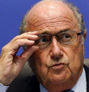 FIFA Başkanı Blatter, 2022'de Katar'da düzenlenecek Dünya Kupası'na ilişkin açıklamalarda bulundu