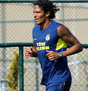 Fenerbahçeli Mehmet Topal, yeni takım arkadaşı Bruno Alves'e övgüler yağdırdı.