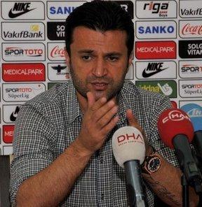 Gaziantepspor'da sezon bitiminde yolların ayrıldığı Bülent Uygun ile yeniden anlaşıldığı açıklanmıştı ama söz konusu anlaşma iptal oldu