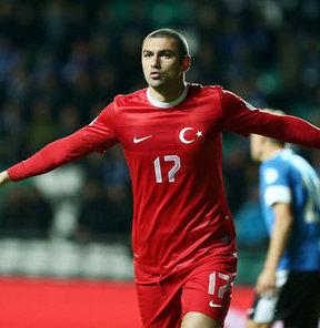 Türkiye'nin Estonya'yı 2-0 mağlup ettiği maçta Burak Yılmaz yeni bir rekora da imza attı
