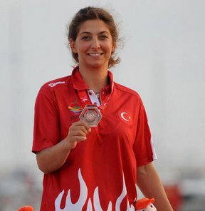 17. Akdeniz Oyunları'nda yelken yarışları tamamlandı. Kadınlar Laser Radial sınıfında milli sporcu Nazlı Çağla Dönertaş bronz madalya kazandı