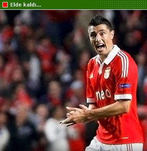 Benfica takımının yüksek bonservis fiyatı belirlemesi yüzünden gerçekleşmeyen Cardozo, elde kaldı.