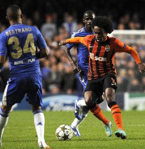 Chelsea, Willian'ın hem kendisi hem de kulübü Anzhi ile anlaştığını resmen duyurdu.