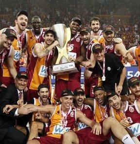 Galatasaray Medical Park, şampiyonluğu kutladı