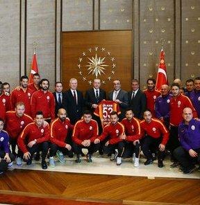 Cumhurbaşkanı Erdoğan, G.Saray'ı kabul etti