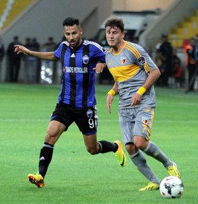 Spor Toto Süper Ligi'nde, Kayseri Erciyesspor ile Kayserispor arasında oynanan maç 1-1 berabere tamamlandı