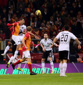 Beşiktaş ile Galatasaray arasında oynanacak derbi maçla ilgili İl Spor Güvenlik Kurulu Toplantısı yapıldı