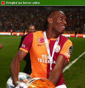 Tatil için ülkesinde bulunan Didier Drogba, kaldığı otelde soyguncuların hedefi oldu