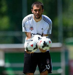 Serdar Kurtuluş, en çok İnönü Stadı'nı özlediğini ve Beşiktaş'a tekrar kupalar kazanmaya geldiğini söyledi