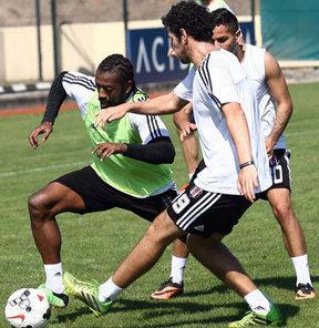 Beşiktaş, Antalyaspor maçının hazırlıklarını yaptığı antrenmanla sürdürdü