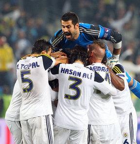 Fenerbahçe'nin yapacağı özel maçlar ile UEFA eleme ve ön eleme maçların yayın hakları 2017-2018 sezonu sonuna kadar D-Smart'a devredildi