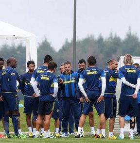 Fenerbahçe, yeni sezon hazırlıklarını sabah antrenmanıyla sürdürdü