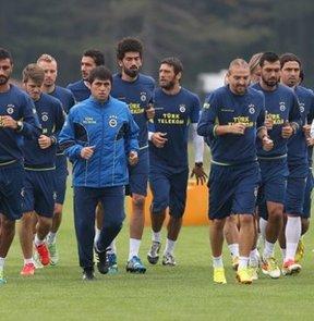Fenerbahçe, Azerbaycan temsilcisi Khazar Lankara ile yarın yapacağı hazırlık maçı için bu ülkeye gitti