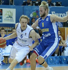 2013 Avrupa Basketbol Şampiyonası D Grubu'nda Finlandiya, İsveç'i 21 sayı farkla 81-60 yendi