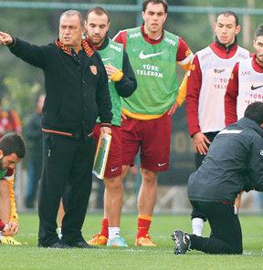 G.Saray'ın yaklaşık 40 kişilik bir futbolcu ordusuyla İsviçre'ye uçması bekleniyor