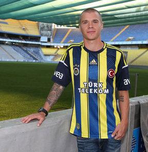 Fenerbahçe, Eskişehirspor maçına kadar İsveçli oyuncunun lisansını yetiştirmeye çalışacak