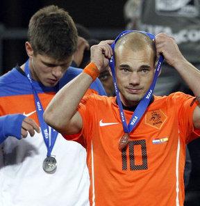 Huntelaar'ı Sneijder getirecek