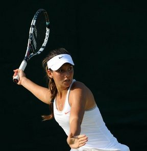 Wimbledon Tenis Turnuvası'nda, genç çiftlerde mücadele eden milli tenisçi İpek Soylu, çeyrek finalde elendi
