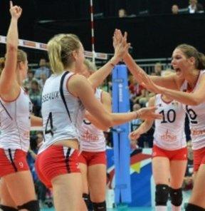 Avrupa Voleybol Konfederasyonu (CEV) tarafından düzenlenen Bayanlar Avrupa Şampiyonası'nda, B, C ve D Grupları'nda son maçlar tamamlandı.