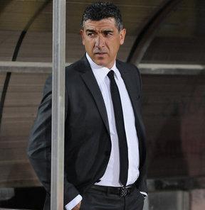 PTT 1. Lig ekiplerinden Bucaspor'un teknik direktörü Sait Karafırtınalar'ın görevinden ayrıldığı bildirildi.