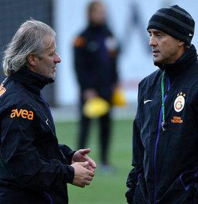 Galatasaray'da Roberto Mancini'nin yardımcılığına getirilen Tugay Kerimoğlu'nun sözleşme şartları açıklandı