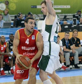 2013 Avrupa Basketbol Şampiyonası ikinci turununun E Grubu'nunun ikinci gününde Litvanya, Belçika'yı 86-67 skoruyla yendi