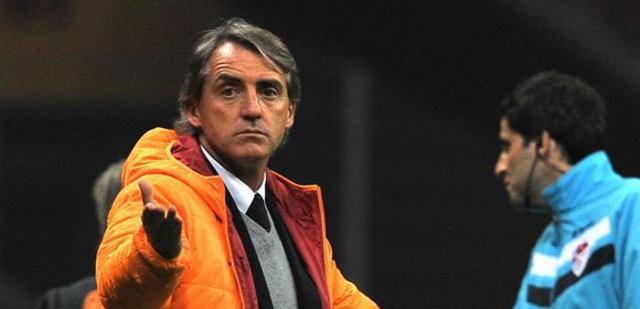 Mancini'yi ağlattılar!