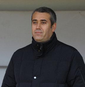 PTT 1. Lig ekiplerinden Manisaspor'da teknik direktör Kemal Özdeş ile 1 yıllık sözleşme imzalandı