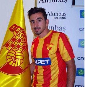 Spor Toto 2. Lig Beyaz Grup ekiplerinden Göztepe, Çaykur Rizespor'dan Mesut Yılmaz ile kiralık olarak 1 yıllık sözleşme imzaladı