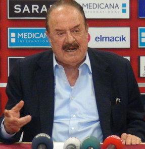 Gençlerbirliği Kulübü Başkanı İlhan Cavcav, sezon başında göreve getirdikleri teknik direktör Metin Diyadin'e güvendiğini belirtti