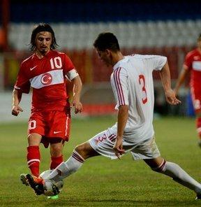 17. Akdeniz Oyunları'nda mücadele eden Türkiye Milli Futbol Takımı, A Grubu'ndaki ilk maçında Arnavutluk'u 2-0 yendi.