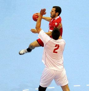 17. Akdeniz Oyunları erkekler hentbolda Türkiye, gruptaki son maçında Makedonya'ya 24-23 yenildi