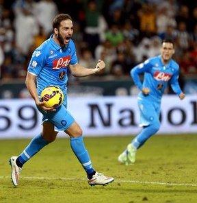 Napoli'den Süper zafer!