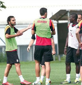 Her zaman takımın neşe kaynağı olan Eboue, dün sabahki idmanda herkesi şaşırttı