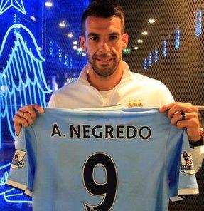 Manchester City, Sevilla'nın forvet oyuncusu Negredo'yu renklerine bağladı