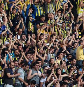Fenerbahçeli taraftarlar UEFA'nın, Sarı-Lacivertli kulübü Disiplin Kurulu'na sevketmesine bir hayli tepkili