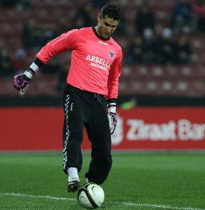 PTT 1. Lig takımlarından Orduspor'un kaleci Orkun Uşak ile prensipte anlaşma sağladığı bildirildi.