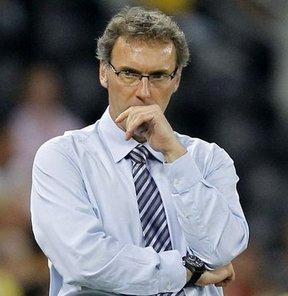 Carlo Ancelotti ile yollarını ayıran PSG, Laurent Blanc ile iki yıllık sözleşme imzaladığını açıkladı
