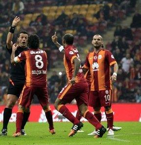 """""""Galatasaray, hakemin kurbanı oldu"""""""