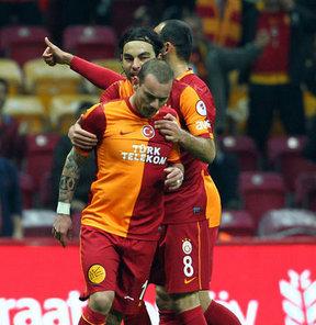 """""""Sneijder gelip bana..."""""""