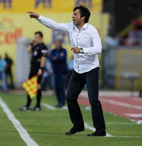 PTT 1. Lig takımlarından Manisaspor, teknik direktör Reha Erginer ile 1 yıllığına anlaştı